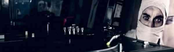 Slowy - Rotlichtlampe (Video)